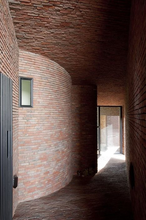 The Rabbit Hole: clay bricks blending architecture with nature | Idées d'Architecture | Scoop.it