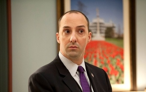 Veep's Tony Hale: 'We Need to Stop Putting Politicians on Pedestals' | AUSTERITY & OPPRESSION SUPPORTERS  VS THE PROGRESSION Of The REST OF US | Scoop.it