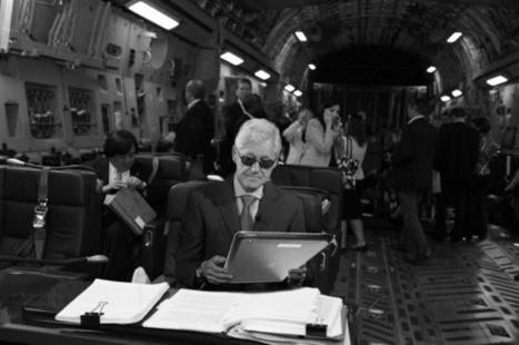 Texts From Bill? Bill Clinton Steals Hillary Clinton Meme - Business 2 Community | Digital-News on Scoop.it today | Scoop.it