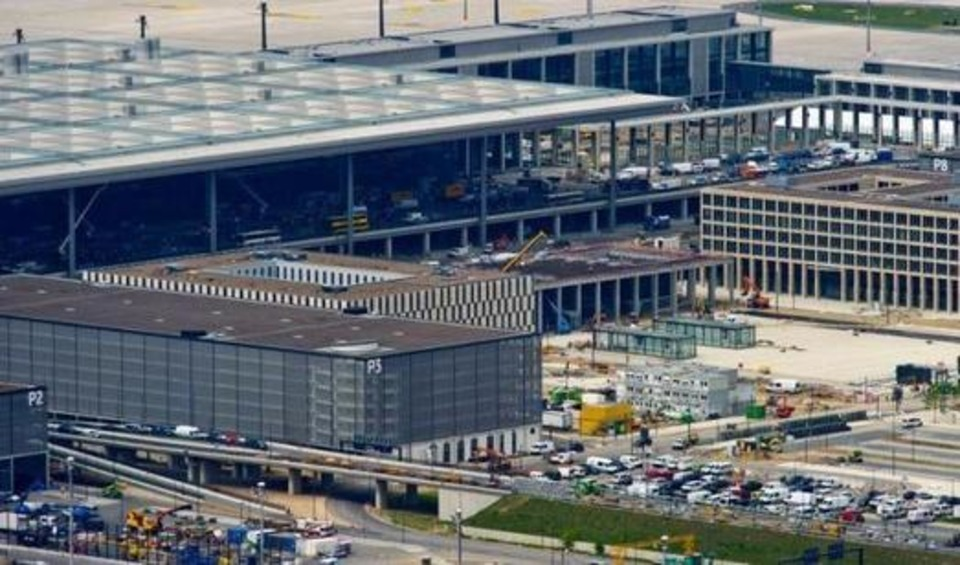 L'aéroport international de Berlin connaît un nouveau retard à l'allumage | Hallo France,  Hallo Deutschland     !!!! | Scoop.it