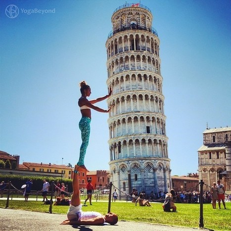 Couple Travels the World Performing Acrobatic Yoga Poses with Gorgeous Backdrops | Le It e Amo ✪ | Scoop.it