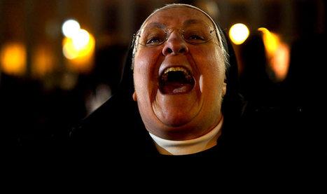 Vatican: le pape François innove encore en baptisant l'enfant d'une mère célibataire | Intervalles | Scoop.it