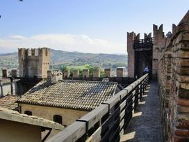 Gradara: an enchanting castle among the fairy hills in The Marche | Le Marche another Italy | Scoop.it