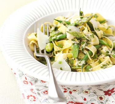 Spring vegetable tagliatelle with lemon & chive sauce recipe - Recipes - BBC Good Food | Recipes: Make.it Taste.it Share.it | Scoop.it