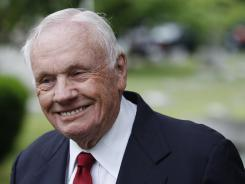 Neil Armstrong to be buried at sea | APS Instructional Technology ~ Science Content | Scoop.it