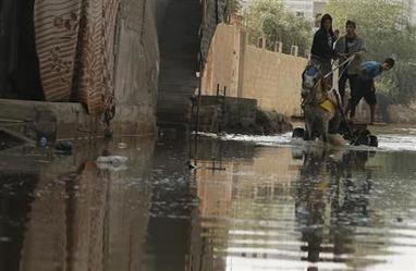 World Environment News - Sewage swamps Gaza streets as Egypt tunnel closures cut off power - Planet Ark   Music   Scoop.it
