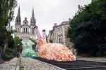 40,000 Plastic Bags Re-purposed to Create Florentijn Hofman's Gigantic Slow Slug Sculptures   Eco-conception   Scoop.it