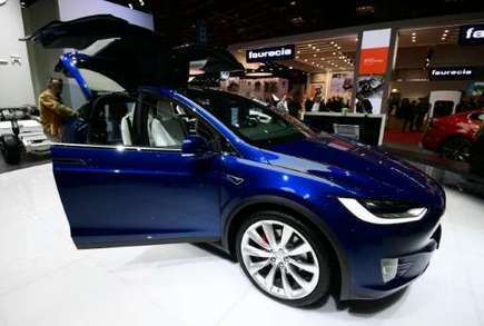 Tesla to build self-driving tech into all cars | Sustain Our Earth | Scoop.it