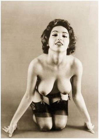 Twitter / pink_erotica: 000351 #vintage #retro #boobs ... | vintage nudes | Scoop.it