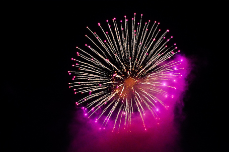New Year Fireworks with the Xpro-1 (Handheld) |  Luc Pher | Fuji X-Pro1 | Scoop.it