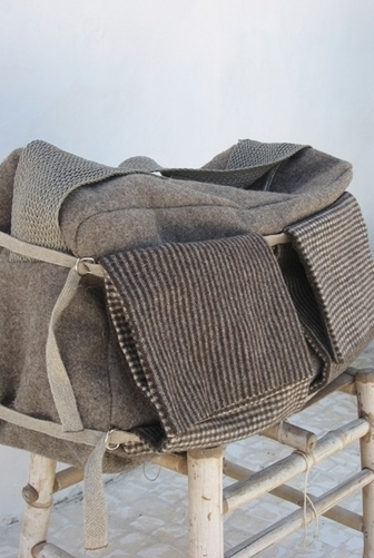 SENNES - A VIAGEM Large travel bag  in eco-sustainable waterrepellent wool, lining in linen and shoulder strap in plaited linen | Ethical Fashion | Scoop.it