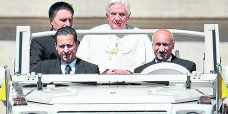 'Vatileaks' el escándalo que refleja una guerra de poder en el Vaticano  - eltiempo.com | Bilingual News for Students | Scoop.it