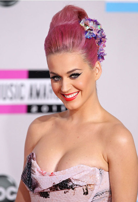 Celebrities With Rainbow Hair That Will Make You Feel JOY | crazy fashion | Scoop.it