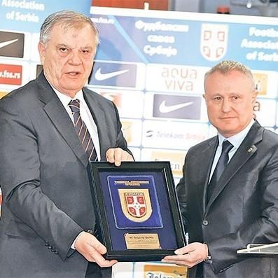 Уефа забринута због насиља у српском фудбалу - Политика | Sport i vesti | Scoop.it