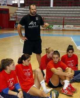 Abel Estévez seguirá un año más al frente del Porriño | Deportes | Scoop.it