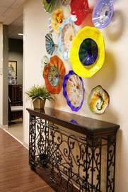 Wall Candy: Dish Up Colorful Glass Art Plates | Designing Interiors | Scoop.it