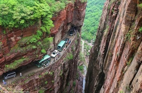 The Most Dangerous Roads In The World | Strange days indeed... | Scoop.it