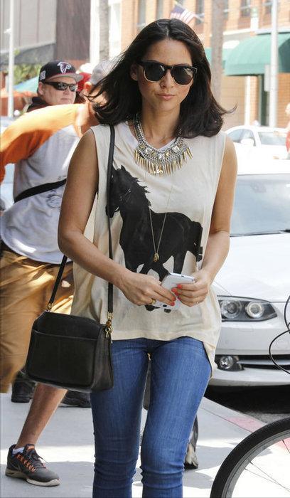 Mena Suvari Dating hot pictures in bikini | Celebrities in Bikini images | Hot celebrities and actresses | Scoop.it