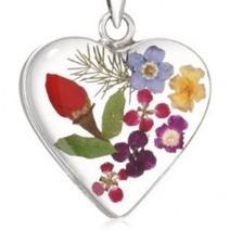 Best Pressed Flower Jewelry Valentine's Day Gifts 2013 | Clever Valentine's Day Ideas | Scoop.it