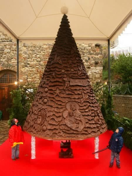 10 Most Amazing Christmas Trees From Around the Globe | Upsetment | Scoop.it