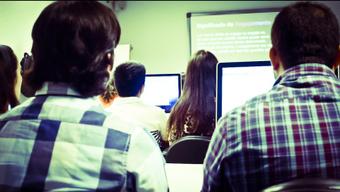 On Teaching Social Media to Undergraduates [Syllabus As Essay]   Digital  Humanities Tool Box   Scoop.it