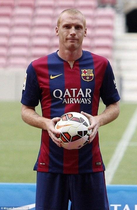 Lionel Messi and girlfriend Antonella Roccuzzo holiday in Capri before ... - Daily Mail | FC Barcelona | Scoop.it