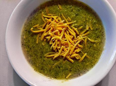 "Fitness Friday: Making Vegan ""Cheddar Cheese"" Broccoli Soup | Hanna Lei | My Vegan recipes | Scoop.it"