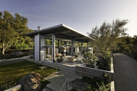 Acier verre et b ton pour cette maison for Agrandissement maison verre et acier