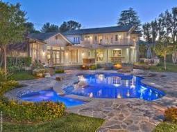 [Photos] Selena Gomez Is Selling Her Tarzana Starter Home For $3.49 Million | Young Gossip | Scoop.it