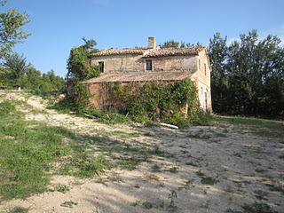 "Renovating a ""rustico"" in Le Marche 
