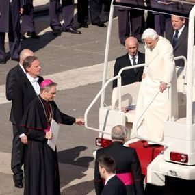 3 Leadership Lessons From the Pope's Exit | Tolero Solutions: Organizational Improvement | Scoop.it