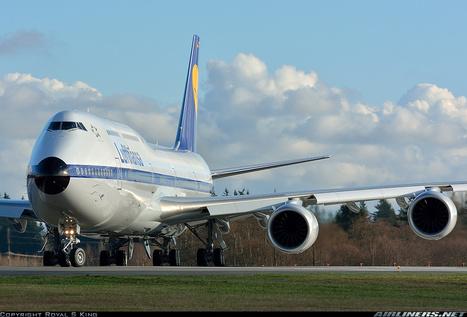 Photos: Lufthansa Retro Boeing 747-830 | AML Basic Maintenance Training | Scoop.it