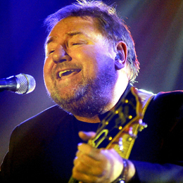 Prog Rock Pioneer Greg Lake: 'Punk Is Not a Form of Music. It's a Fashion Statement.' | Music News | Rolling Stone | Progressive Rock and Music News | Scoop.it