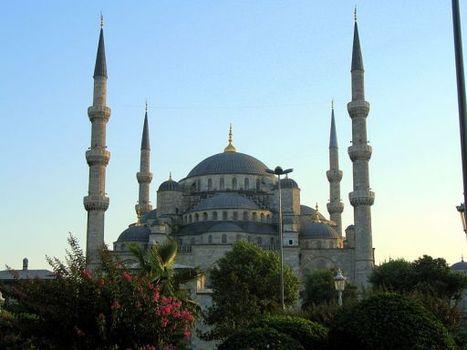 Mosque of Sultan Ahmed - Sedefkar Mehmed Aga. | Islamic Art | Scoop.it