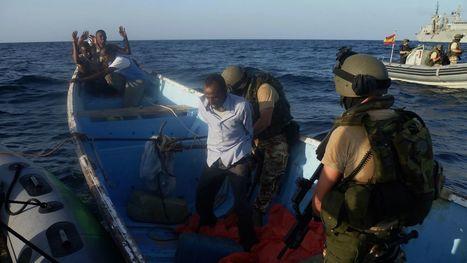 España prolongará dos años su lucha militar contra la piratería en aguas de Somalia | Seguridad marítima | Scoop.it