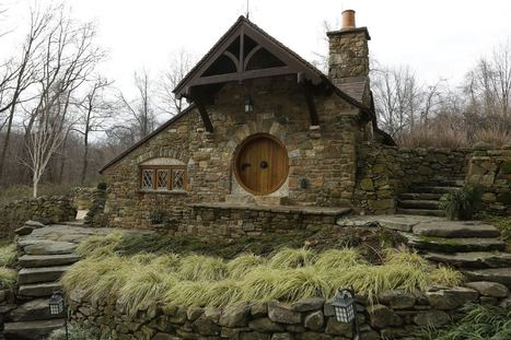 Uber Fan Has Real Hobbit House Designed & Built By Architect | Storytelling Genius | Scoop.it