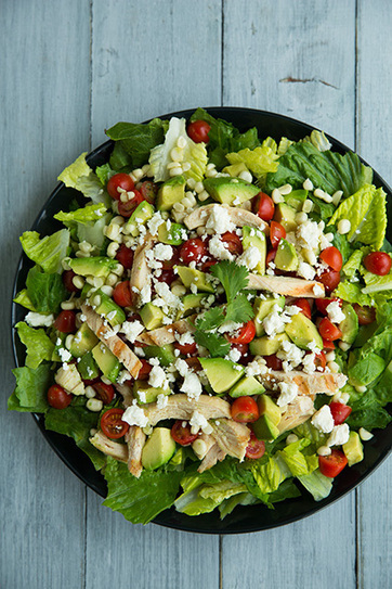 Salad with Grilled Chicken, Avocado & Tomato with Honey-Lime, Cilantro Vinaigrette | Intentando cocinar | Scoop.it