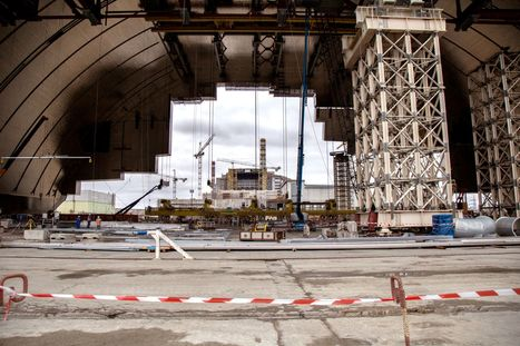 Engineers Race to Entomb the Decaying Chernobyl Reactor [Video] | News we like | Scoop.it