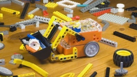 Edison offers affordable and Lego-compatible robotics education | GizMag.com | Robot and Internet of things | Scoop.it