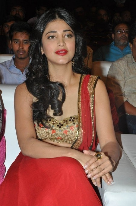 Shruti Haasan Latest Photos | Shruti Haasan Latest Stills | Shruti Haasan Latest Pics | Shruti Haasan At Pooja Audio Launch | Shruti Haasan At Pooja Audio Launch Stills | Shruti Haasan Latest Image... | Morningcable Bollywood Gallery | Scoop.it