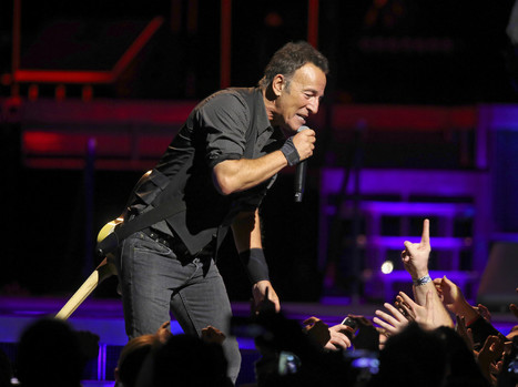Review  : Bruce Springsteen at United Center mixes surprises in with 'River' songs - Chicago Tribune | Bruce Springsteen | Scoop.it