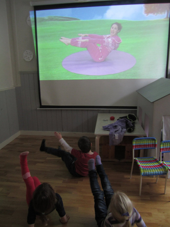 Arsenal Nursery: We've had a 'Cosmic Kids' yoga adventure!