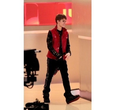 Astonishing Justin Bieber's Red and Black jacket, stirring up singing passion! | Unique collection of celebrity jackets its now | Scoop.it
