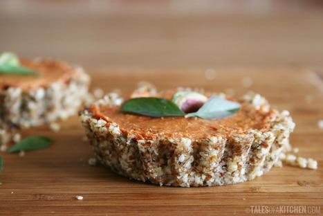 Raw tomato mini snack tarts - Tales of a Kitchen | RawFoodRecipes | Scoop.it