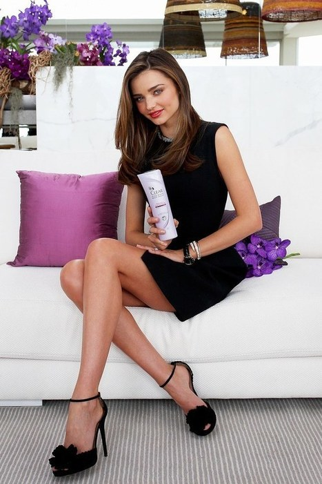 Photo : Miranda Kerr Clear Scalp and Hair Beauty Therapy Promotion in Sydney | Radio Planète-Eléa | Scoop.it