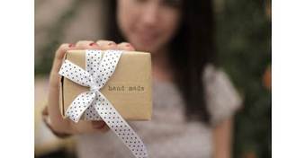 Monthly Subscription Boxes for Women: Looking for a birthday gift for your girlfriend? | Handmade Gifts for your Beautiful Girlfriend | Scoop.it