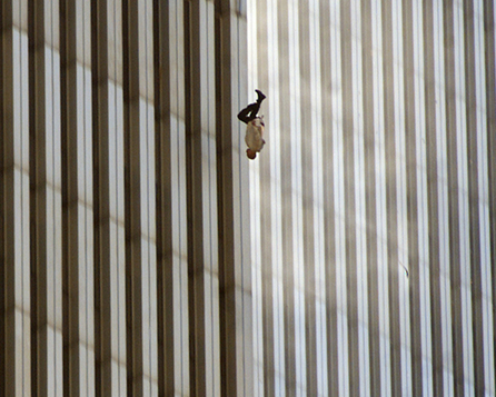 Why Has The Falling Man – One Of The Strongest Photographs in History Disappeared [strong graphics] | Best of Photojournalism | Scoop.it