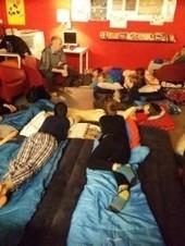 Leerlingen overnachten in Kortrijkse bibliotheek   Bib Kortrijk Test   Scoop.it