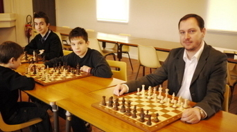 Esbarres : ici, les échecs sont rois - Bien Public | Jeu d'échecs généralités | Scoop.it