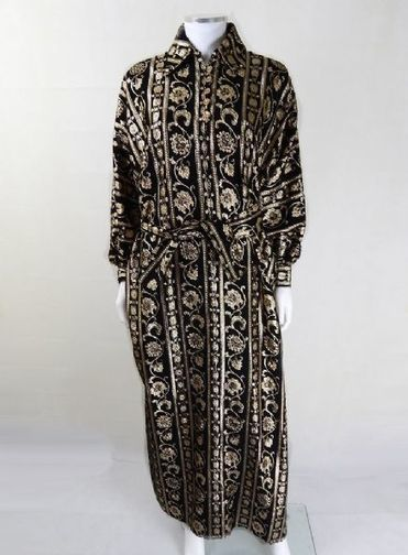 Vintage 1960s Iconic Black and Gold Kaftan | 1960s Kaftan | Vintage Kaftans | Vintage Clothing | Scoop.it